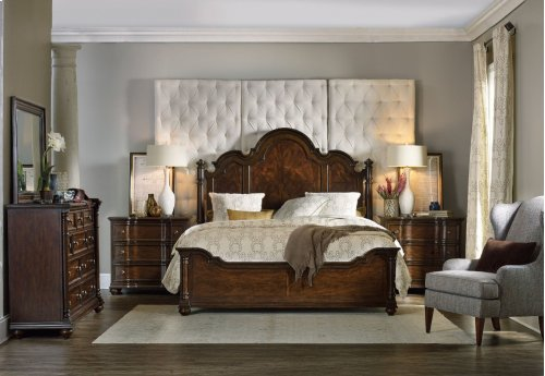 Bedroom Leesburg California King Poster Bed