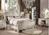 Versailles,california King Bed
