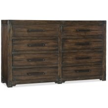 Bedroom Roslyn County Eight-Drawer Dresser