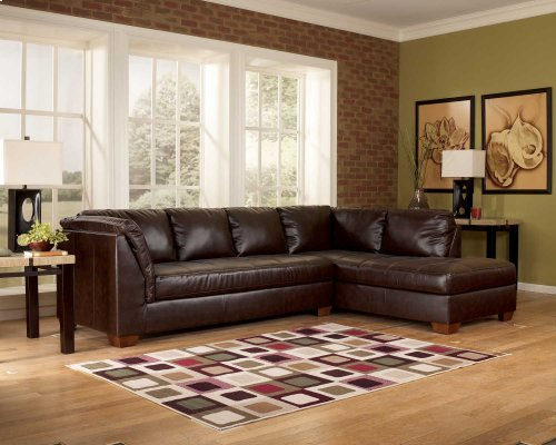Alliston 4 Piece LAF Sectional Room To Go - 2 Piece Sectional, Ottoman, and Rug