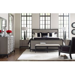 LEGACY CLASSIC FURNITURESymphony Panel Bed, Queen 5/0