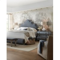 Bedroom Beaumont Queen Upholstered Bed Product Image