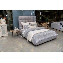 Loft Bed Queen w/ Storage