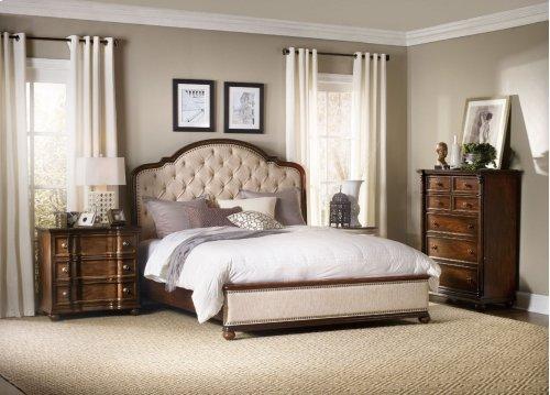 Bedroom Leesburg King Upholstered Bed with Wood Rails
