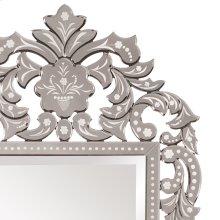 Regina Mirror