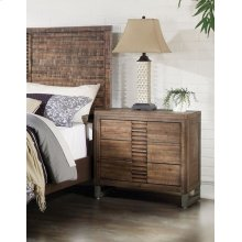 NIGHTSTAND WITH 3 DRAWERS