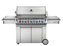 Prestige PRO™665 with Infrared Rear and Side Burner.