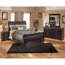 Esmarelda - Dark Merlot 5 Piece Bedroom Set