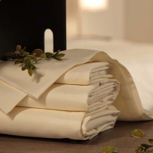 Sleep Plush + Beige 4-Piece Microfiber 500g Bed Sheet Set with Wrinkle Free Performance Fabric, California King