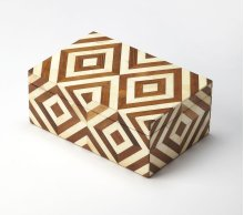 Made using genuine bone in a variety of natures finest hues, the naturals box illustrates exquisite craftsmanship. In a beautiful geometirc pattern this storage box will coordinate with any modern or transitional décor.