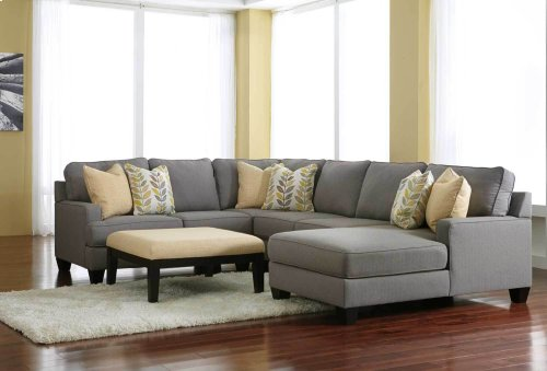 Chamberly 4 Pc LAF Sectional w/RAF Chaise
