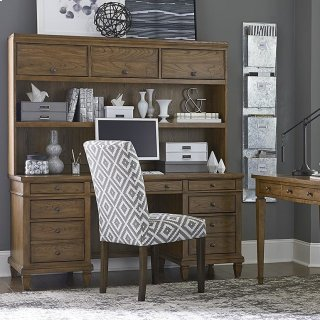 Tobacco Commonwealth Executive Desk with Hutch