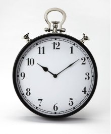 This steel and aluminum wall clock's design is reminiscent of a traditional pocket watch. The analog numbers are easily legible from any distance. Its black framing gives this transitional piece a look of traditional elegance that blends well with any dec