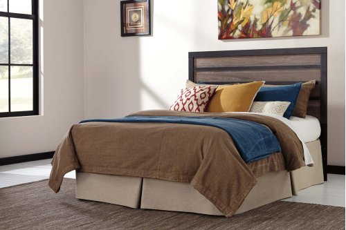 Queen Harlington Panel Bed w/Rails