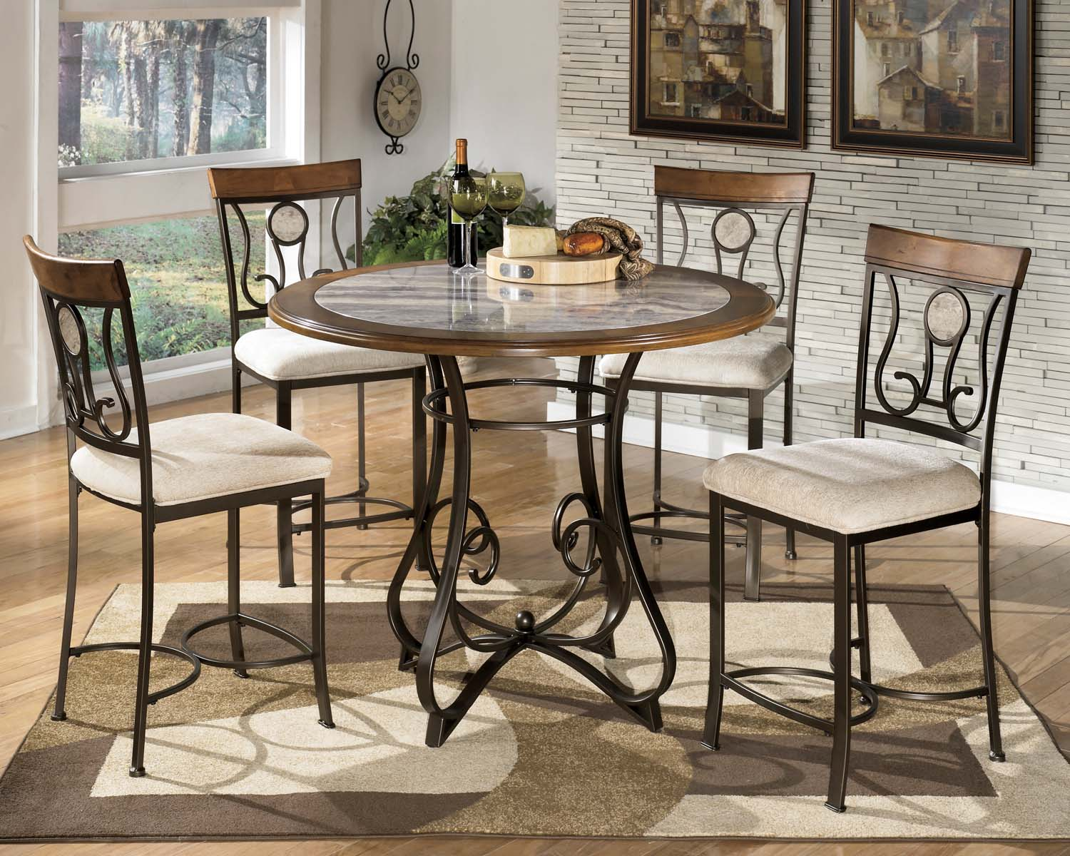 Hopstand   Brown 6 Piece Dining Room Set