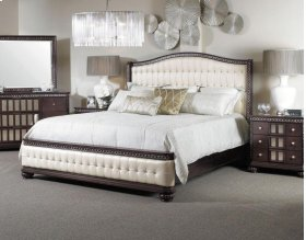 En Vogue 5/0 Sleigh Headboard