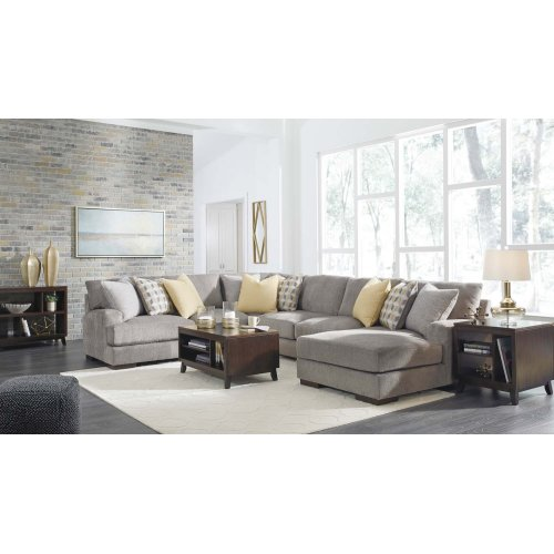 Fallsworth III Sectional Right
