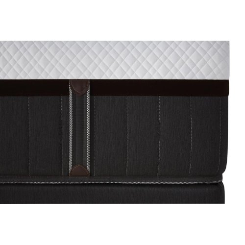 Lux Estate Hybrid Collection - XH8 - Ultra Plush - Queen