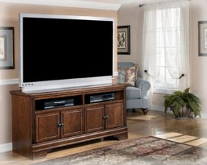 W52738 large tv stand by ashley furniture behar 39 s for Furniture in everett wa