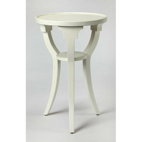 Finished in cottage white with a contemporary flair, this table adds a splash of style to virtually any décor. Crafted from solid hardwoods and cherry veneer.