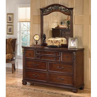 Leahlyn - Warm Brown Dresser & Mirror