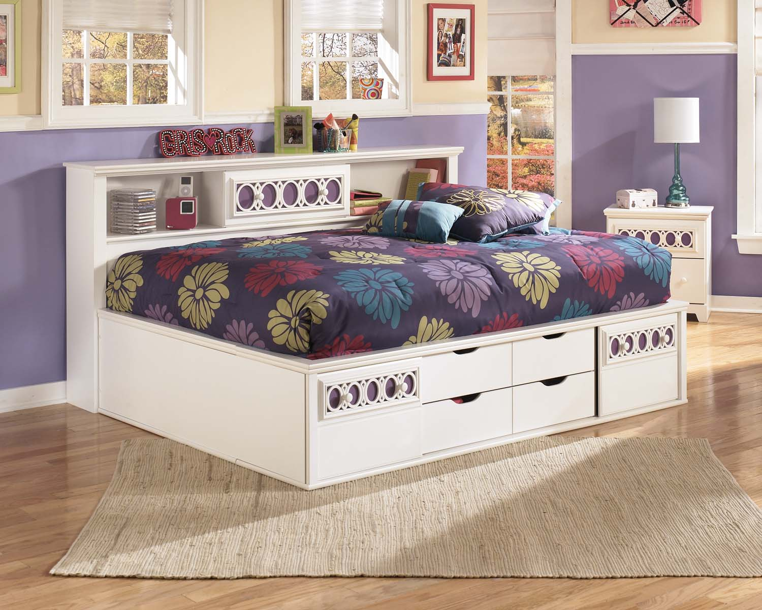 Zayley   White 3 Piece Bed Set (Full)