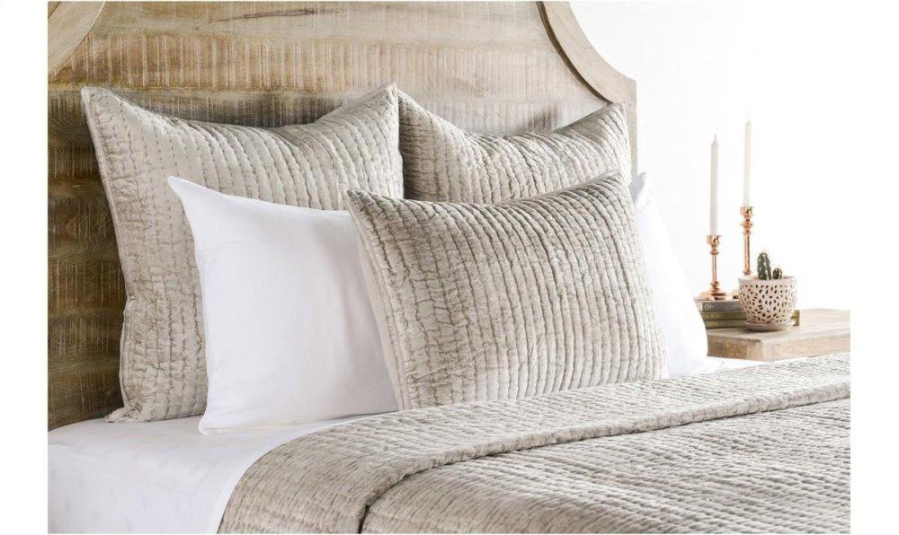 Bari Bedroom Furniture Wiseme Bedq422k In By Classic Home In Edmond Ok Bari Velvet Pebble 4pc King Set Jk Furniture Bedq422k In By Classic Home In Edmond Ok Bari Velvet Pebble 4pc