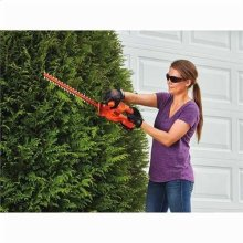 20V MAX* 18 in. Cordless Hedge Trimmer