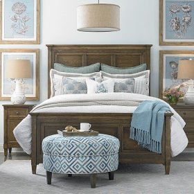 Queen/Peppermill Commonwealth Panel Bed
