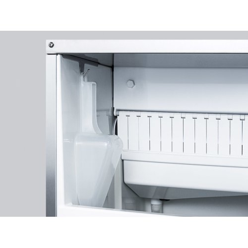 "15"" Wide 62 Lb. Built-in Undercounter Commercially Listed Indoor/outdoor Clear Icemaker With Gravity Drain and Panel-ready Door"