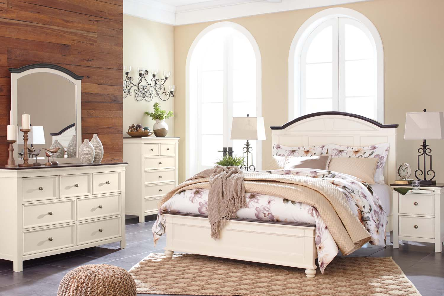Woodanville   White/Brown 3 Piece Bed Set (Queen)