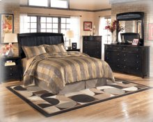 CLEARANCE!!!  Bonded Leather Queen Bed.  Includes Headboard, Footboard,and Rails