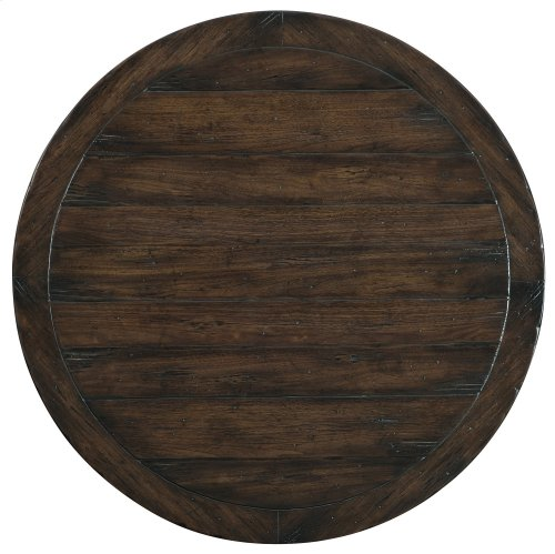 Living Room Roslyn County Round Cocktail Table