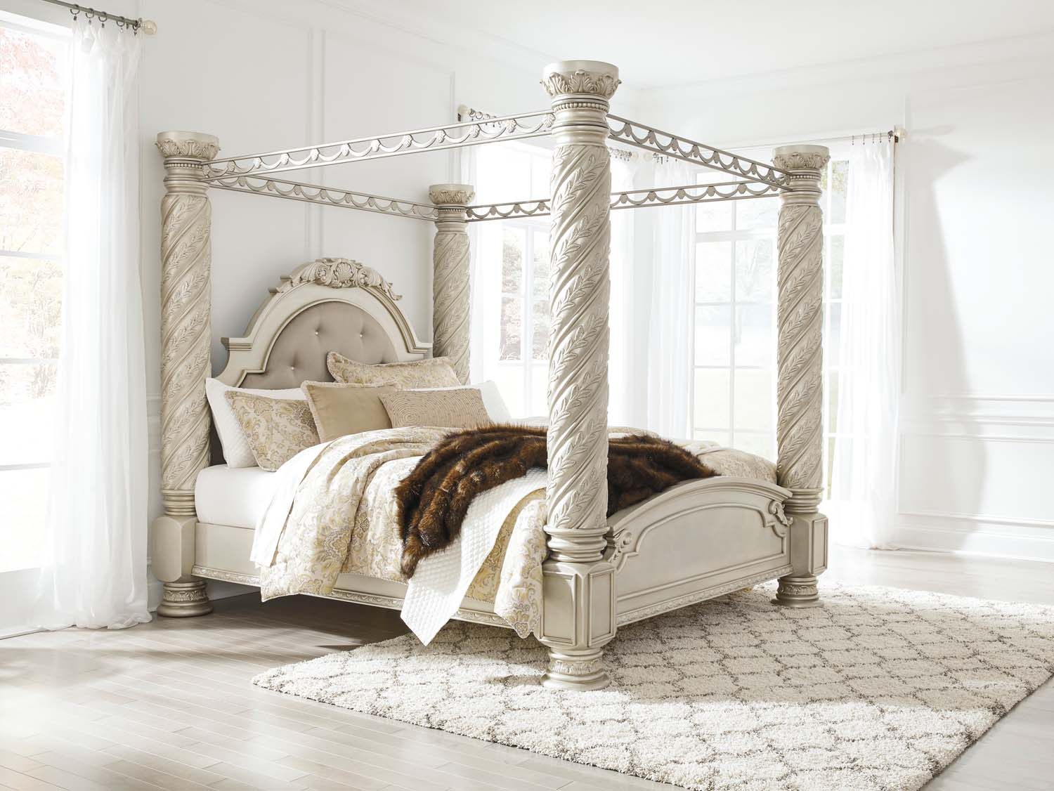 Cassimore   Pearl Silver 5 Piece Bed Set (King)