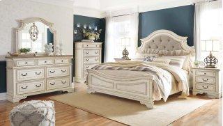 Realyn Bedroom Set