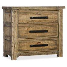Bedroom Roslyn County Three-Drawer Nightstand