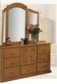 6500 2 Door/7 Drawer Dresser