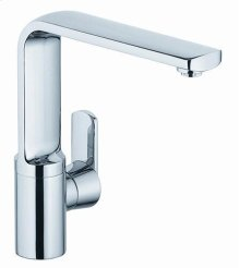 Single-hole Kitchen Faucet in Polished Chrome