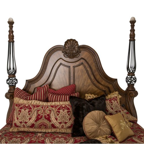 Eastern King Poster Bed (3 Pc)