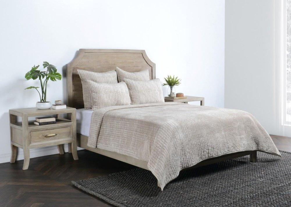 Bari Bedroom Furniture High Gloss Bari Velvet Pebble Queen Quilt 92x96 Mesgironainfo V160021 In By Classic Home In Rogers Ar Bari Velvet Pebble Queen