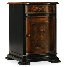 Living Room Grandover Chairide Chest