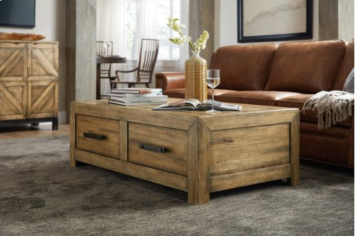 Living Room Roslyn County Rectangle Cocktail Table