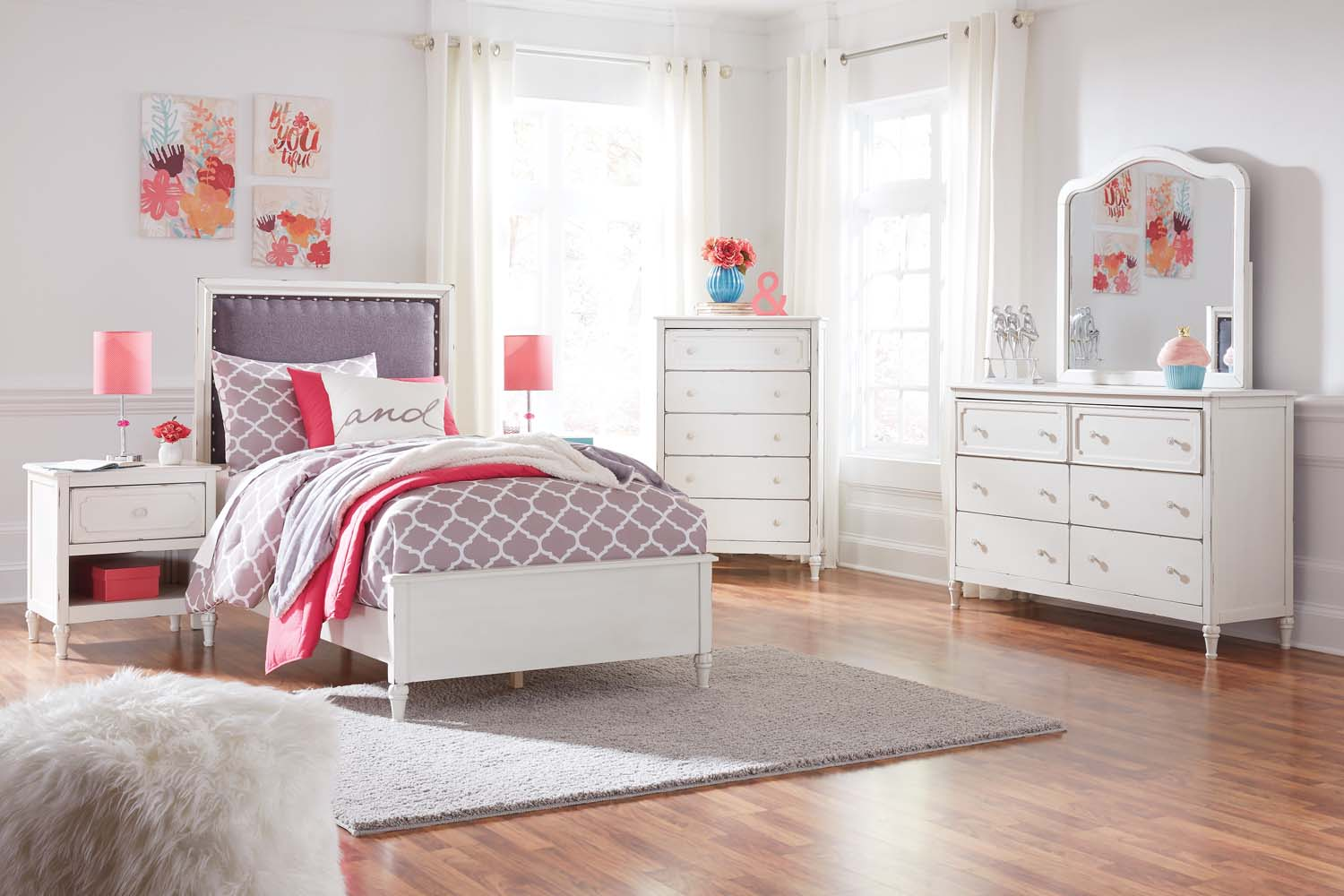 Hidden · Additional Faelene   Chipped White 3 Piece Bed Set (Twin)