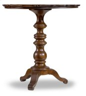 Living Room Leesburg Round Accent Table