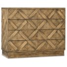 Bedroom Roslyn County Four-Drawer Bachelors Chest Product Image