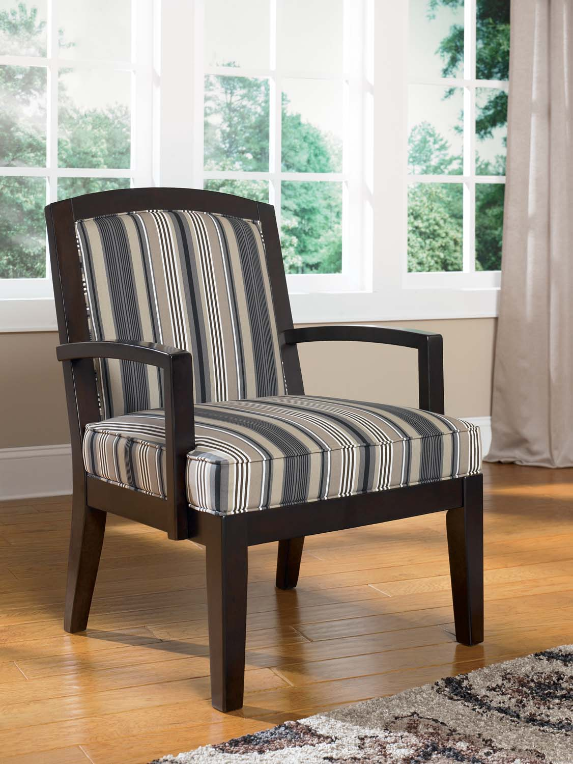 Ashley Furniture ASHLEY Showood Accent Chair