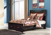 Zanbury - Merlot 4 Piece Bed Set (Queen)