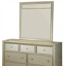 Briella Dresser
