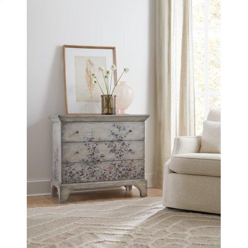 Living Room Three-Drawer Chest