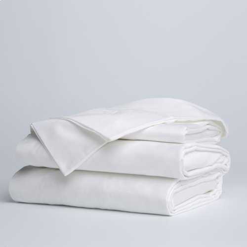 Sleep Plush + White 4-Piece Microfiber 500g Bed Sheet Set with Wrinkle Free Performance Fabric, California King